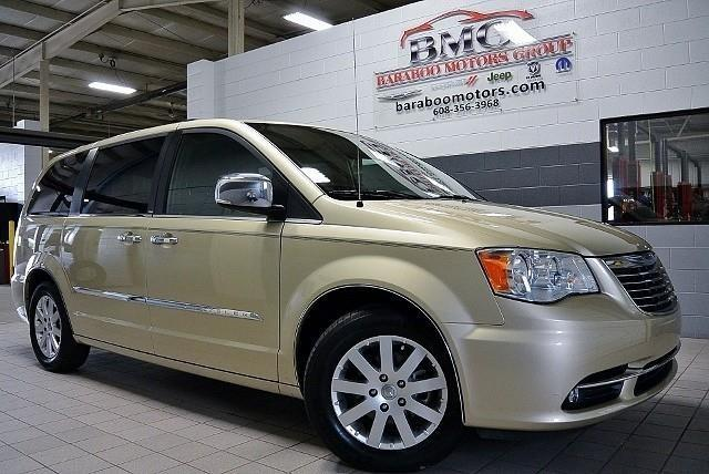 2011 chrysler town and country for sale in baraboo wisconsin classified. Black Bedroom Furniture Sets. Home Design Ideas