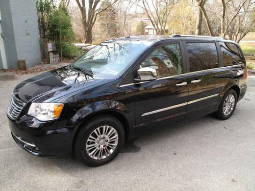 2011 chrysler town and country limited for sale in glen riddle pennsylvania classified. Black Bedroom Furniture Sets. Home Design Ideas