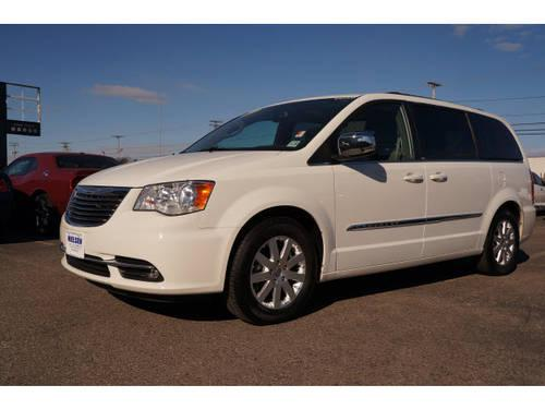 2011 chrysler town and country mini van touring l w dvd for sale in east hanover new jersey. Black Bedroom Furniture Sets. Home Design Ideas