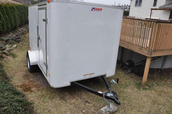 2011 ENCLOSED TRAILER 6X10 - $2500 (HAZLETON)