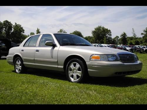 2011 ford crown victoria sedan lx for sale in rhinebeck new york classified. Black Bedroom Furniture Sets. Home Design Ideas