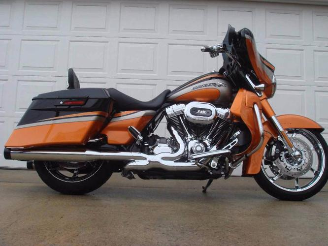2011 HarleyDavidson Touring CVO Screamin Eagle Street Glide