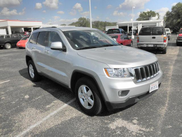 2011 jeep grand cherokee laredo for sale in devine texas classified. Cars Review. Best American Auto & Cars Review