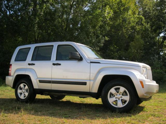 2011 jeep liberty sport for sale in savannah tennessee classified. Black Bedroom Furniture Sets. Home Design Ideas