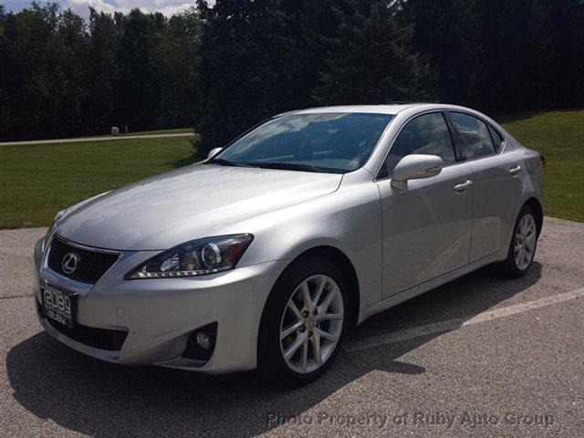 2011 lexus is 250 for sale in hudson ohio classified. Black Bedroom Furniture Sets. Home Design Ideas