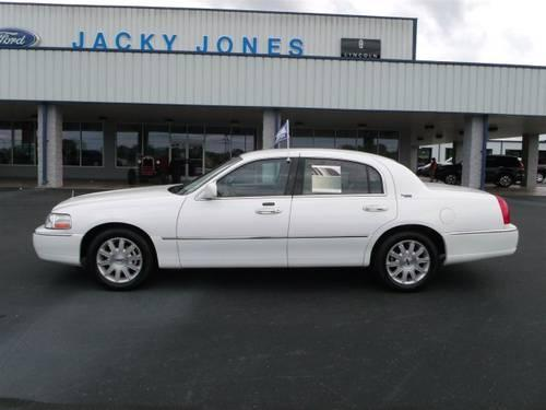 2011 lincoln town car 4dr car signature limited for sale in sweetwater tennessee classified. Black Bedroom Furniture Sets. Home Design Ideas