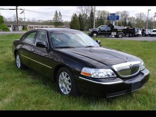 2011 lincoln town car sedan signature limited for sale in rhinebeck new york classified. Black Bedroom Furniture Sets. Home Design Ideas
