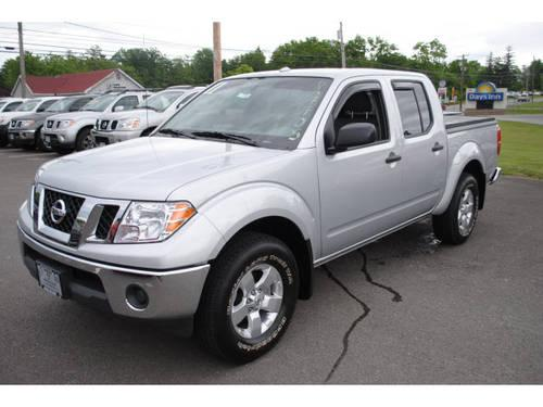 2011 Nissan Frontier Crew Cab 4X4 SV V6 for Sale in New