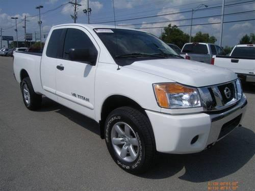 2011 nissan titan extended cab pickup sv for sale in lexington kentucky classified. Black Bedroom Furniture Sets. Home Design Ideas