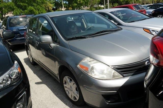 2011 Nissan Versa 1.8 S 1.8 S 4dr Hatchback 6M