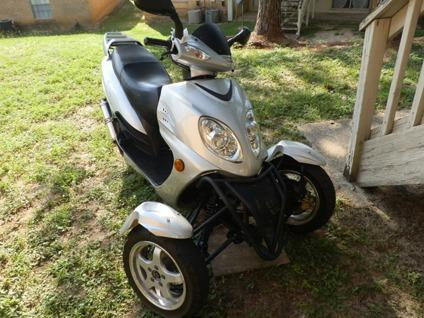 2011 Sunny 50cc Trike/Moped/Scooter $999 OBO - $999 (E