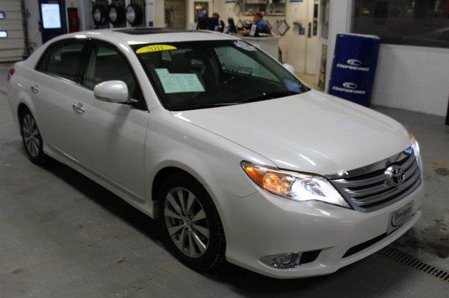 2011 toyota avalon limited limited 4dr sedan for sale in racine wisconsin classified. Black Bedroom Furniture Sets. Home Design Ideas