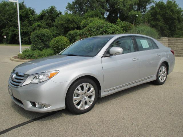 2011 toyota avalon milwaukee wi for sale in milwaukee wisconsin classified. Black Bedroom Furniture Sets. Home Design Ideas
