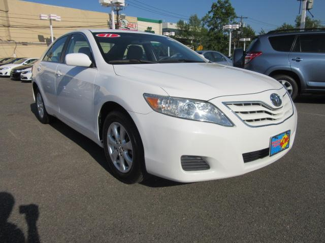 2011 toyota camry le v6 4dr sedan 6a for sale in westbury new york classified. Black Bedroom Furniture Sets. Home Design Ideas