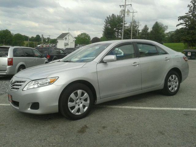 2011 toyota camry sedan le for sale in bermudian pennsylvania classified. Black Bedroom Furniture Sets. Home Design Ideas