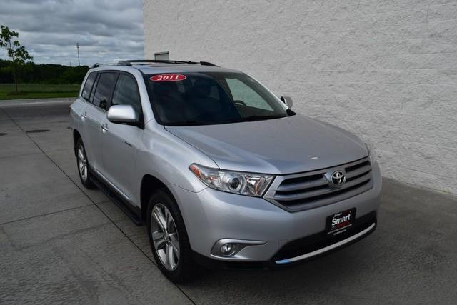 2011 toyota highlander limited awd limited 4dr suv for sale in davenport iowa classified. Black Bedroom Furniture Sets. Home Design Ideas