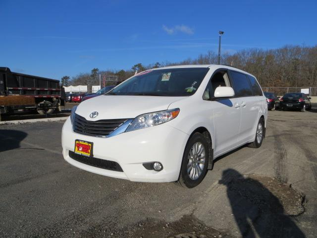 2011 toyota sienna oakdale ny for sale in oakdale new york classified. Black Bedroom Furniture Sets. Home Design Ideas