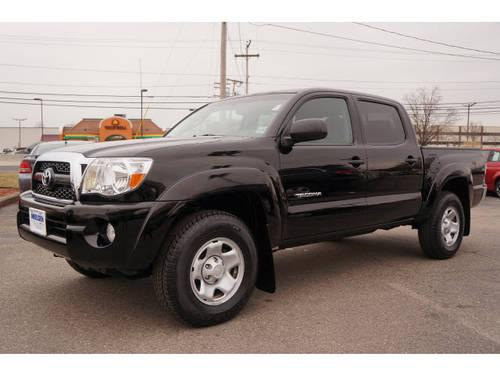 2011 toyota tacoma double cab 4x4 v6 for sale in east. Black Bedroom Furniture Sets. Home Design Ideas