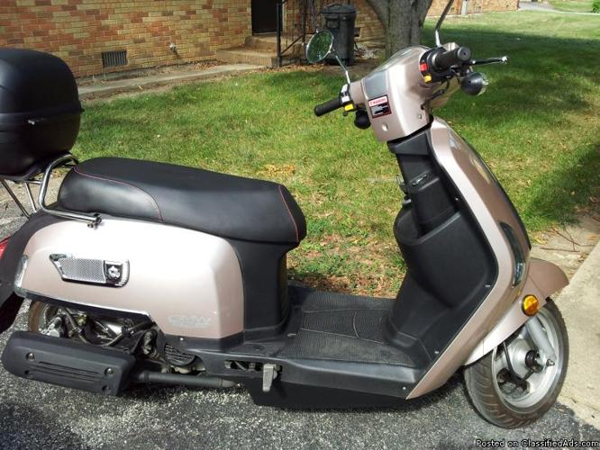 2011 ZHNG scooter for sale... GMW R2,