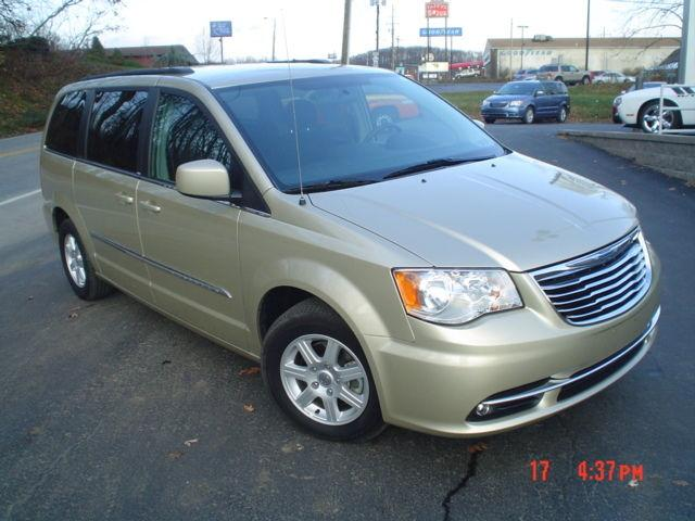 2011 chrysler town country touring for sale in johnstown pennsylvania classified. Black Bedroom Furniture Sets. Home Design Ideas