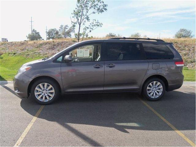 2011 toyota sienna le for sale in idaho falls idaho classified. Black Bedroom Furniture Sets. Home Design Ideas