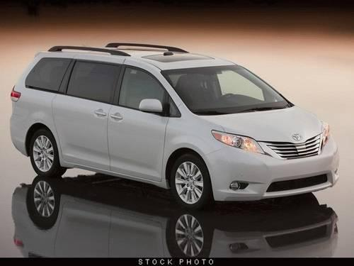 2011 toyota sienna van xle limited van for sale in west palm beach florida classified. Black Bedroom Furniture Sets. Home Design Ideas