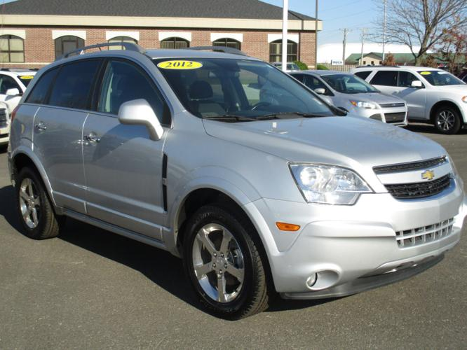 2012 chevrolet captiva sport lt lt 4dr suv for sale in dubuque iowa classified. Black Bedroom Furniture Sets. Home Design Ideas
