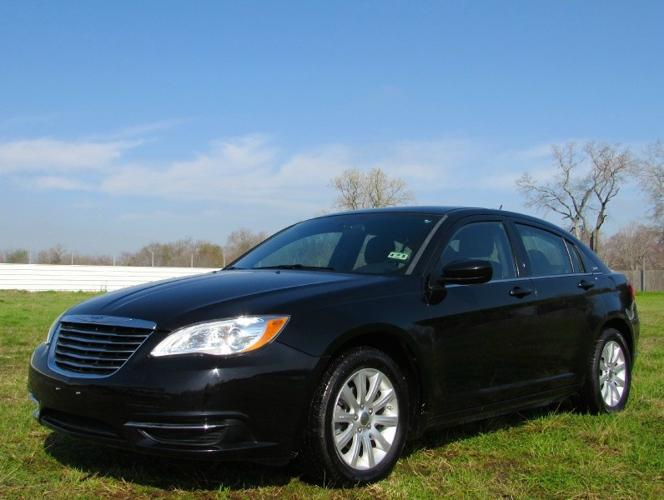 2012 chrysler 200 4dr sdn lx for sale in pasadena texas classified. Black Bedroom Furniture Sets. Home Design Ideas