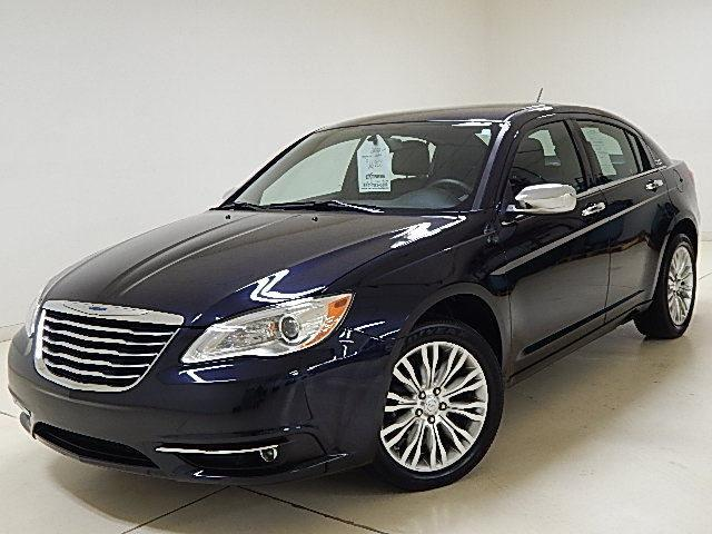 2012 Chrysler 200 Sedan Limited Leather Heated Seats For