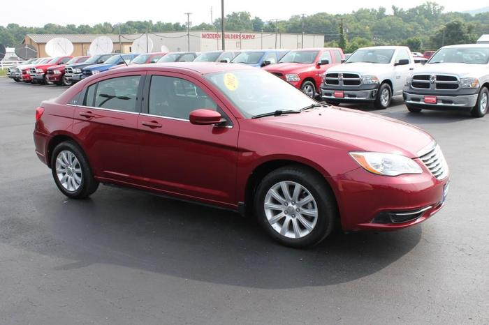 2012 chrysler 200 touring chillicothe oh for sale in chillicothe ohio classified. Black Bedroom Furniture Sets. Home Design Ideas