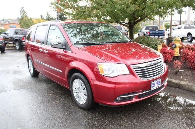 2012 chrysler town and country limited limited 4dr mini van for sale in renton washington. Black Bedroom Furniture Sets. Home Design Ideas
