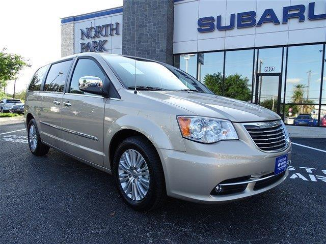 2012 chrysler town and country limited limited 4dr mini van for sale in san antonio texas. Black Bedroom Furniture Sets. Home Design Ideas