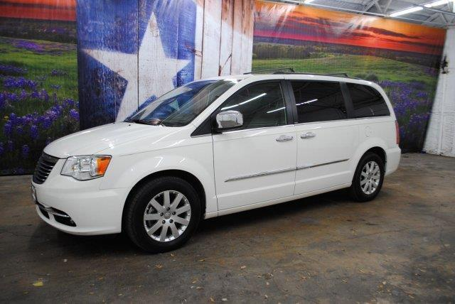 2012 chrysler town and country touring l touring l 4dr mini van for sale in canyon lake texas. Black Bedroom Furniture Sets. Home Design Ideas