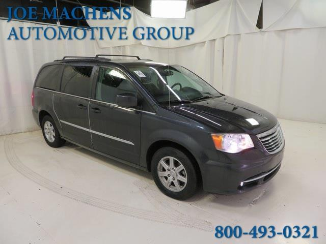 2012 Chrysler Town and Country Touring Touring 4dr