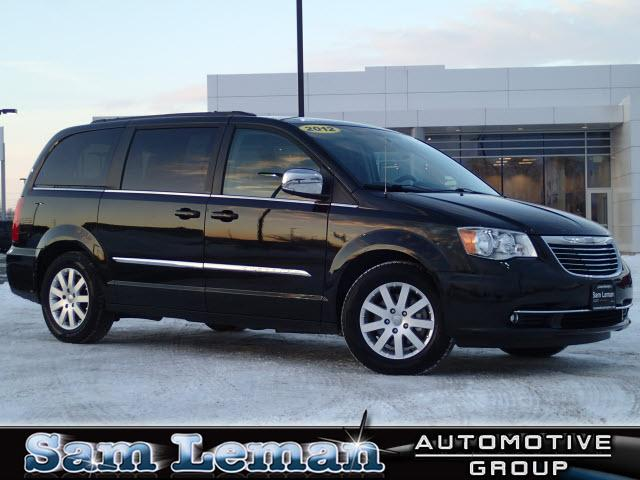 2012 chrysler town country touring l bloomington il for sale in bloomington illinois. Black Bedroom Furniture Sets. Home Design Ideas