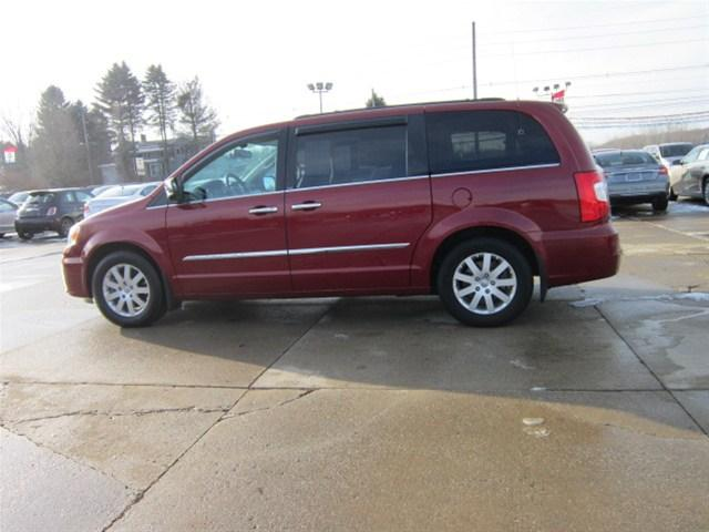 2012 chrysler town country touring l edinboro pa for sale in crossingville pennsylvania. Black Bedroom Furniture Sets. Home Design Ideas