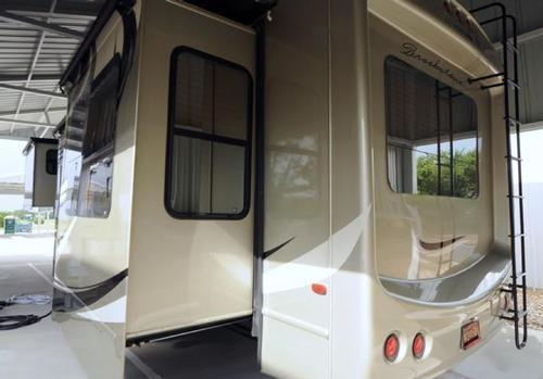 2012 Coachmen Brookstone 366re Diamond Package For Sale In