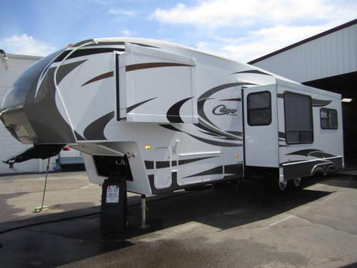 2012 Cougar 322QBS Front Bunk Room Fifth Wheel Rear Queen