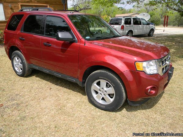 2012 ford escape xlt red 24k miles for sale in atascosa texas classified. Black Bedroom Furniture Sets. Home Design Ideas