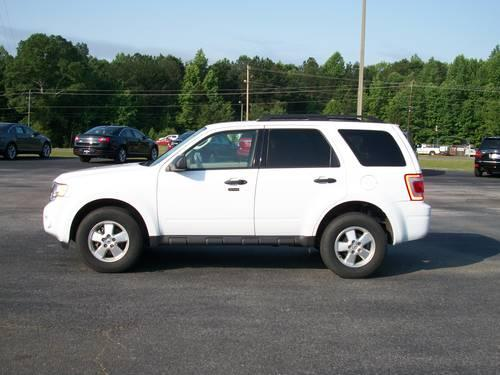 2012 ford escape xlt v6 white tan 28k miles for sale in alexander city alabama classified. Black Bedroom Furniture Sets. Home Design Ideas