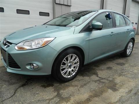 2012 ford focus 4 door hatchback for sale in wooster ohio classified. Black Bedroom Furniture Sets. Home Design Ideas