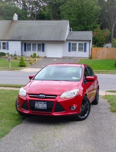 2012 Ford Focus SE Hatchback Candy Red