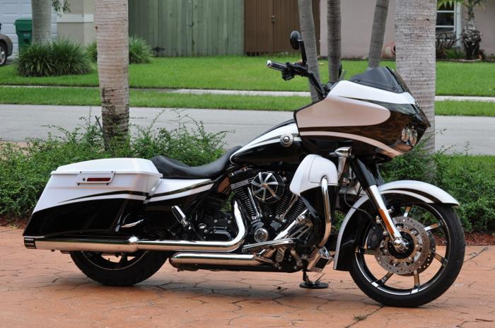 2012 harley davidson road glide cvo for sale in miami florida classified. Black Bedroom Furniture Sets. Home Design Ideas