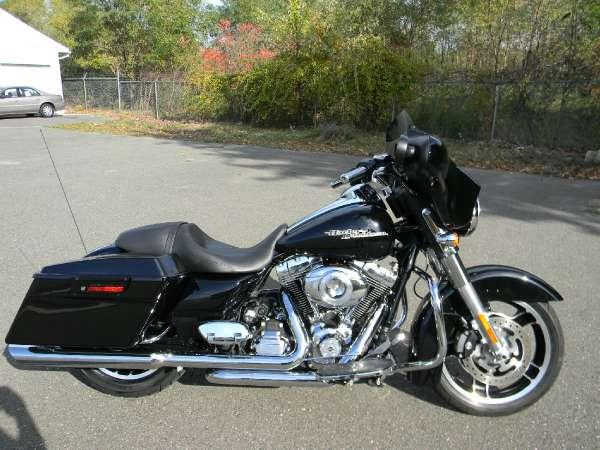 2012 harley davidson street glide for sale in springfield massachusetts classified. Black Bedroom Furniture Sets. Home Design Ideas
