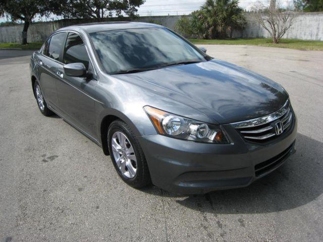 2012 honda accord se like new under factory warranty for sale in hollywood florida classified. Black Bedroom Furniture Sets. Home Design Ideas