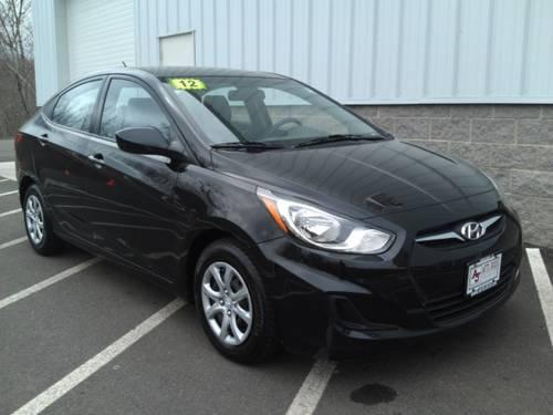 2012 hyundai accent for sale in middlebury connecticut classified. Black Bedroom Furniture Sets. Home Design Ideas