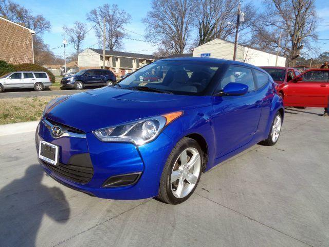 2012 hyundai veloster coupe 1 owner like new financing available for sale in norfolk. Black Bedroom Furniture Sets. Home Design Ideas