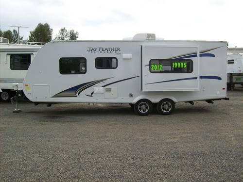 2012 Jayco Jay Feather Ultra Lite Travel Trailer 24ft