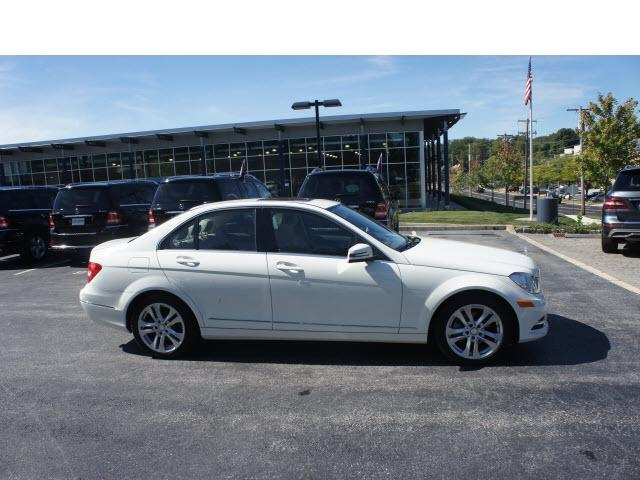 2012 mercedes benz c class awd c300 luxury 4matic 4dr for Devon mercedes benz
