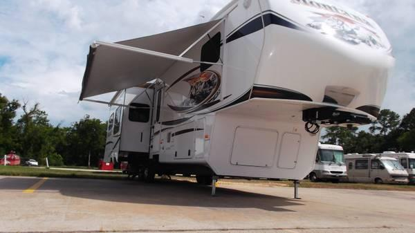 2012 Montana 5th Wheel 38 1 2 Ft 3 Slides For Sale In